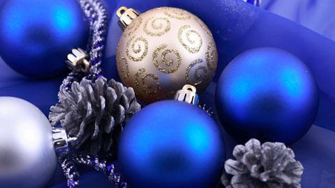 Christmas balls wallpaper
