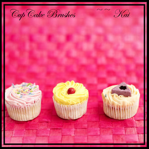 Cup cake brushes