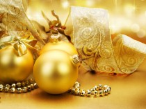 Golden Christmas ball wallpaper