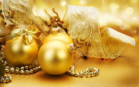 Golden Christmas ball wallpaper